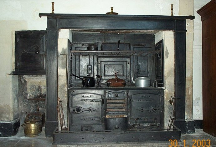Snippets on pinterest victorian kitchen vintage stoves and stove
